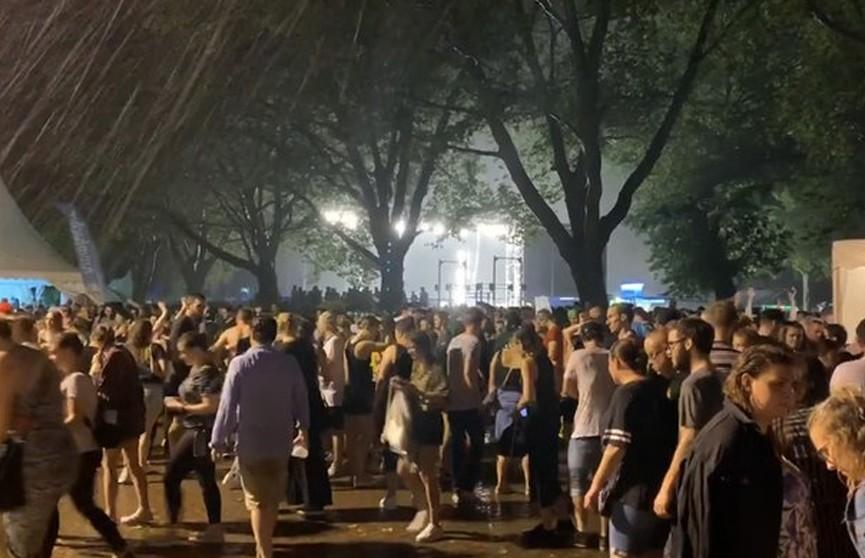 Сцена обрушилась на концерте в Германии, пострадали более 20 человек
