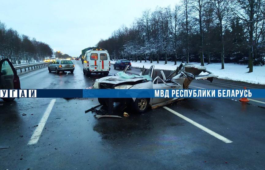 Смертельное ДТП под Фаниполем: фура въехала в стоявший с аварийным знаком Ford