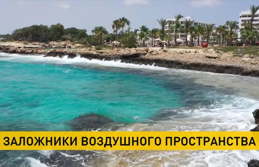 Белорусские туристы не могут вылететь домой из-за запрета на полеты «Белавиа» над некоторыми странами