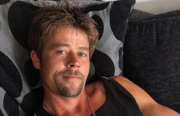 Двойник Брэда Питта: в Великобритании нашли строителя, похожего на голливудского актёра