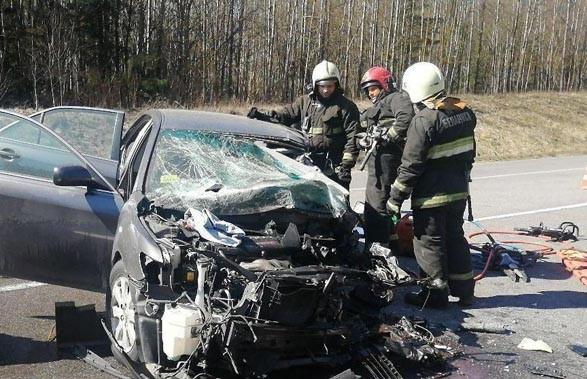 Водитель легковушки погиб в ДТП с грузовиком в Минском районе
