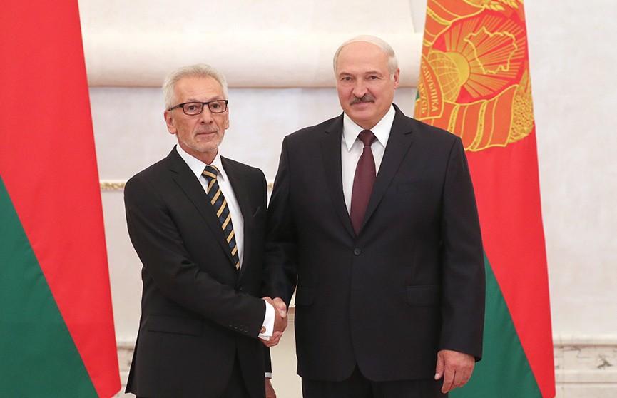 Лукашенко: Беларусь готова предоставить площадку для решения конфликтных вопросов