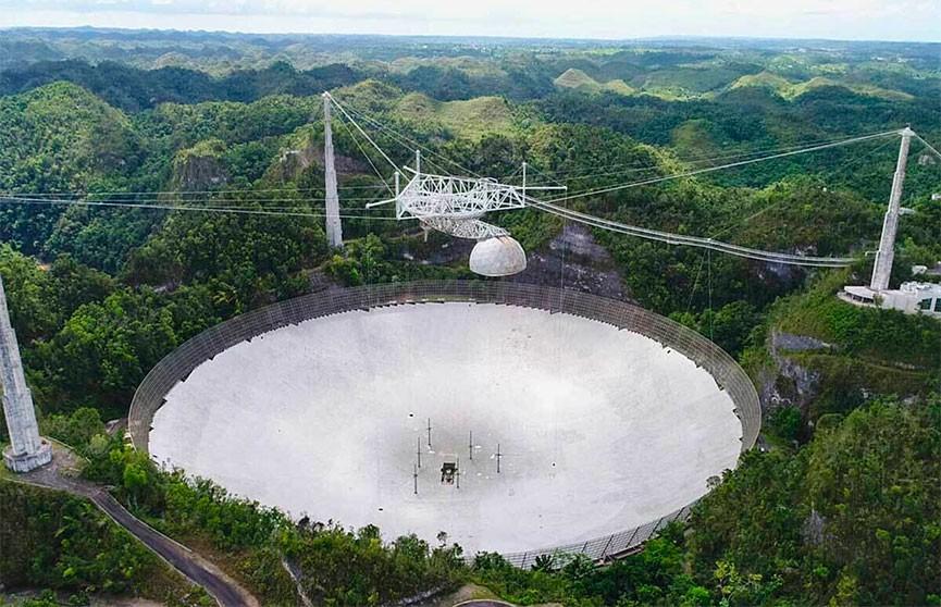 В Пуэрто-Рико снесут всемирно известный радиотелескоп Аресибо, занимавшийся поиском внеземной жизни