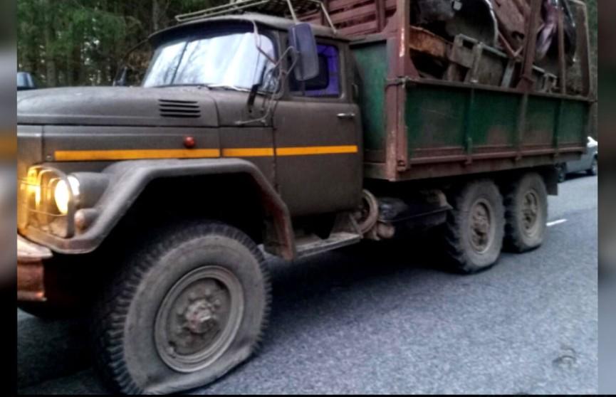 Водитель без прав чуть не сгинул за металл в Чечерском районе