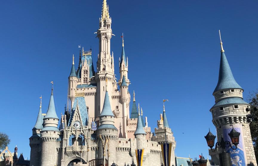 Disney получила разрешение возобновить работу парка развлечений во Флориде