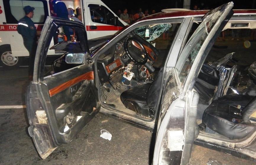 ДТП в Могилеве: пострадавших из авто деблокировали спасатели