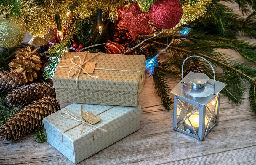 $4 тысячи и еще 25 подарков: 10-летняя девочка поразила отца требованиями на Рождество