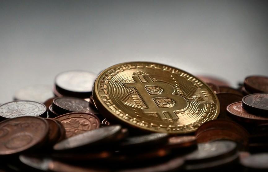 Цена биткоина обновила исторический максимум, превысив $49 тысяч