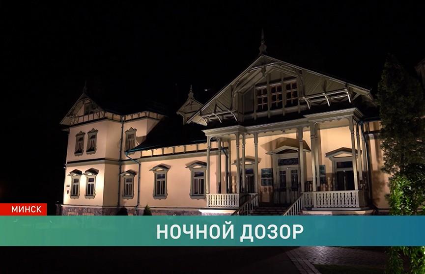 Что происходит в музейных залах ночью, когда никто не видит?