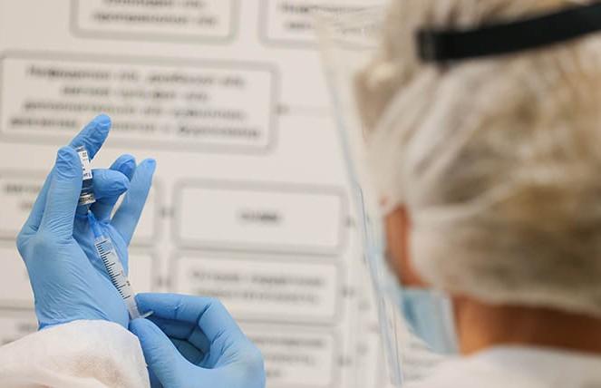 Когда в Беларуси начнется массовая вакцинация от COVID-19, рассказали в Минздраве