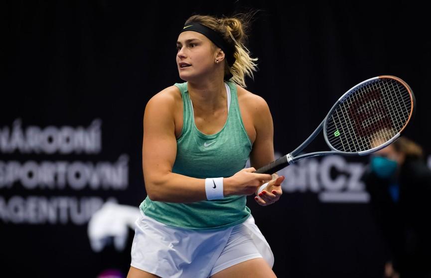 Соболенко победила Азаренко в финале теннисного турнира в чешской Остраве