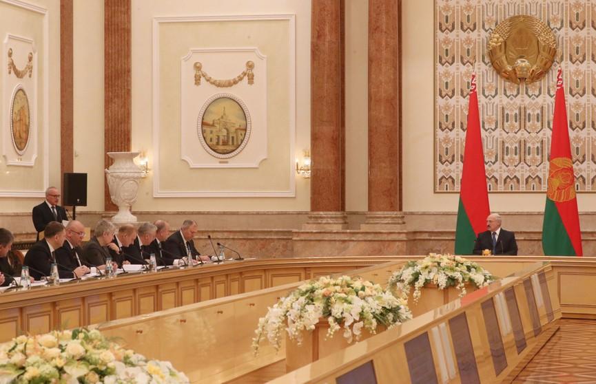 «Приведите в порядок то, что есть» – Лукашенко потребовал навести дисциплину в Витебской области
