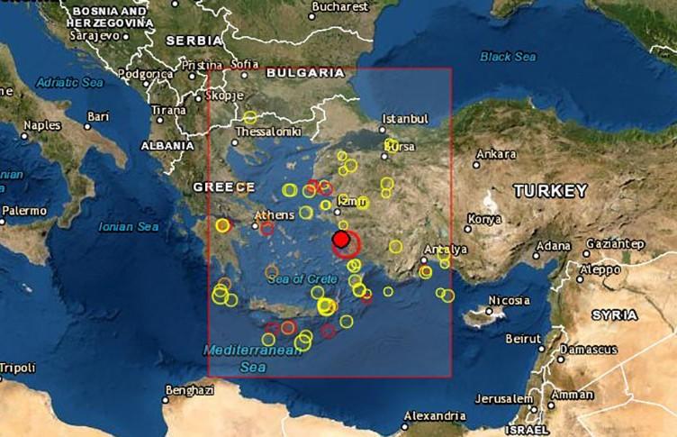 В Турции произошло мощное землетрясение: как минимум четверо погибших и 120 раненых