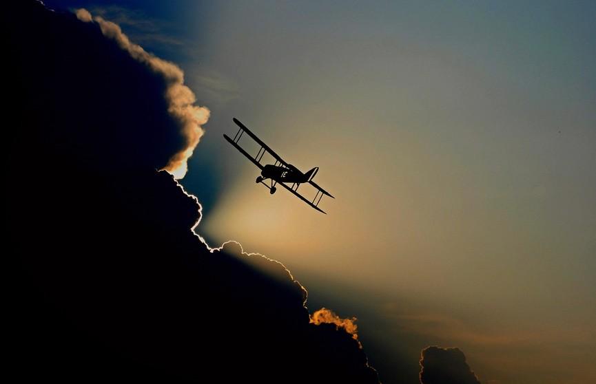 Крушение самолёта в США:  10 человек погибли