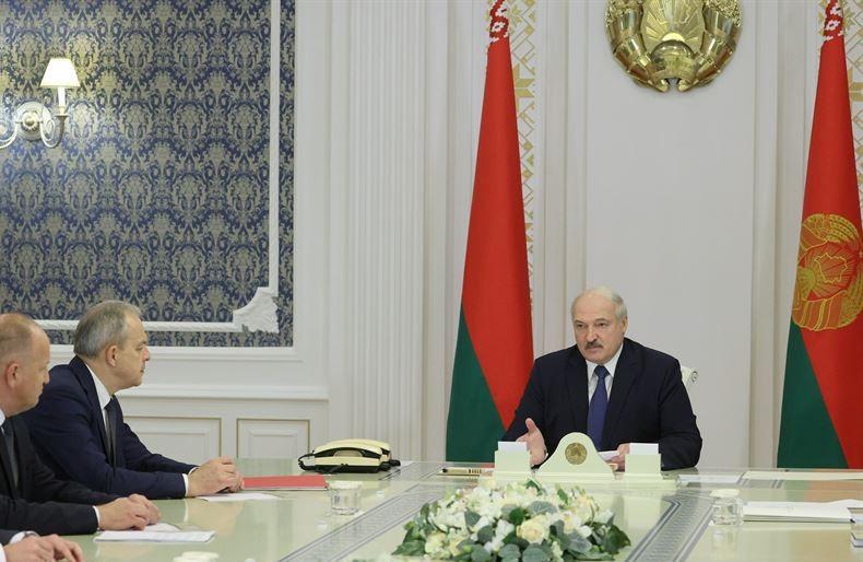 Лукашенко о второй волне COVID-19: «На сегодняшний день я не намерен изолировать и закрывать страну»