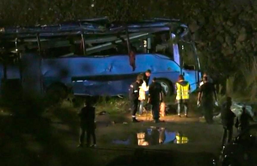 Крупное ДТП в Болгарии унесло жизни 16 человек: в стране объявлен траур