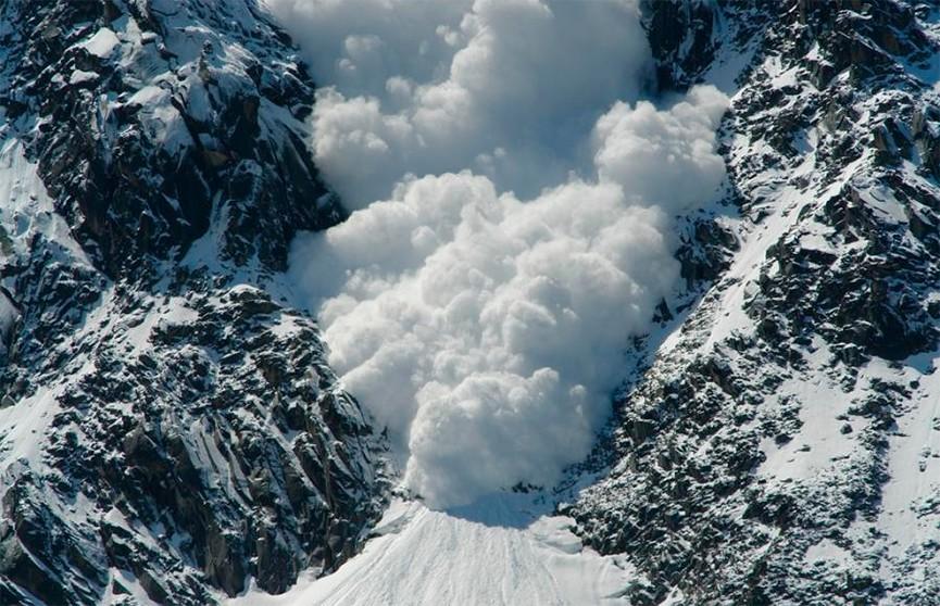 17-летний альпинист погиб при сходе снежной лавины в Чехии