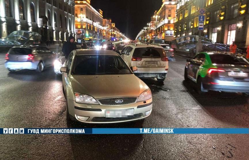 Авария в центре Минска: «Пежо» проехал на красный свет