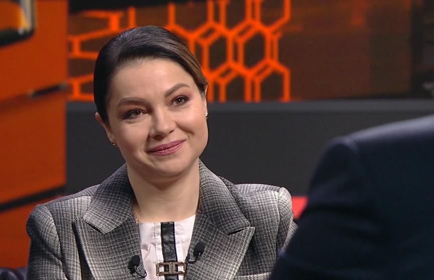 Виктория Алешко – о женской дружбе, творчестве, белорусской милиции, буллинге и хайпе на протестах