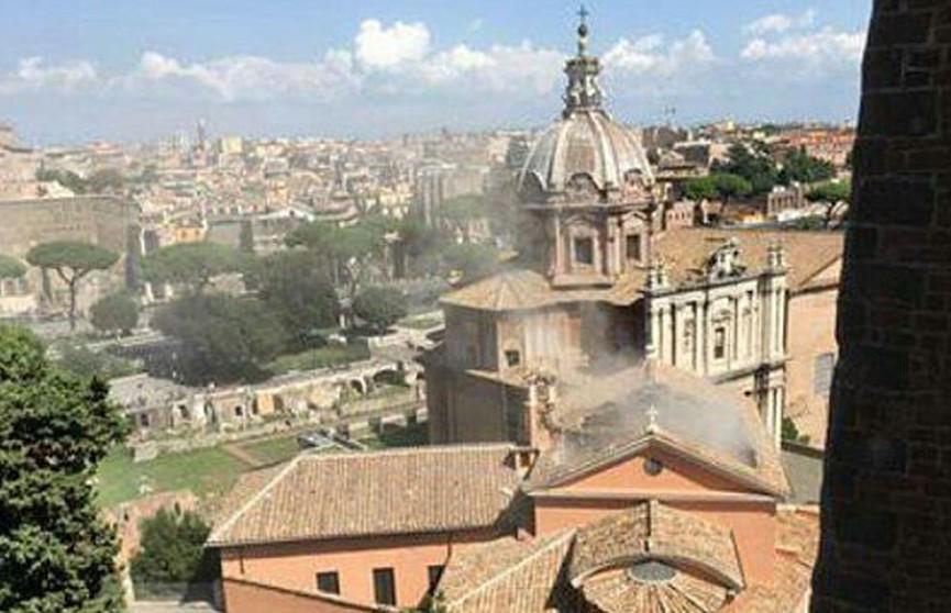 Крыша старинной церкви обрушилась в Италии