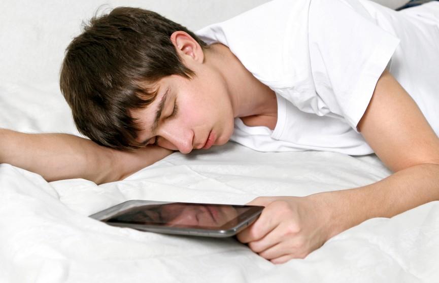 Девушка услышала разговоры парня во сне, заподозрила неладное. И не зря!