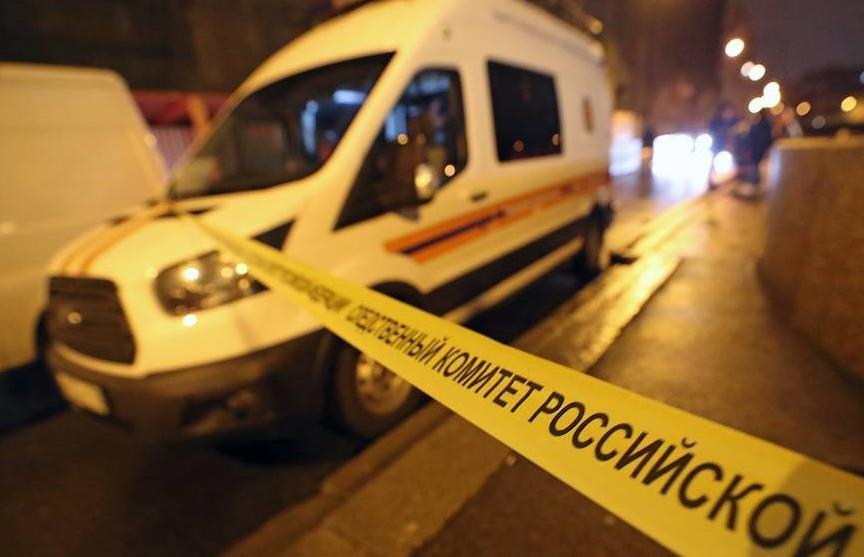 Неизвестный застрелил подростка в Петербурге: силовики готовят штурм квартиры