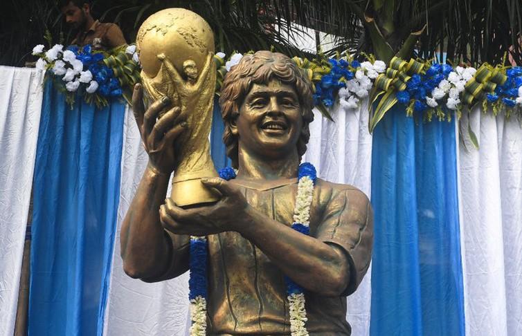 Памятник Диего Марадоне установят в аэропорту Буэнос-Айреса