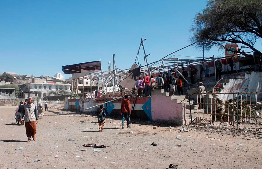 Взрыв во время военного парада произошел в Йемене: есть погибшие