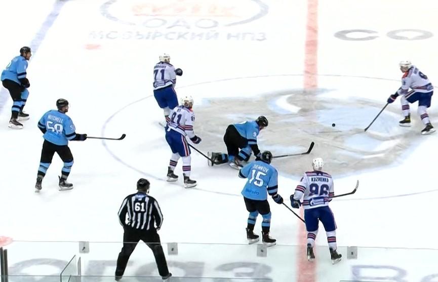 Игра без правил: матч плей-офф КХЛ «Динамо-Минск» и СКА завершился скандалом