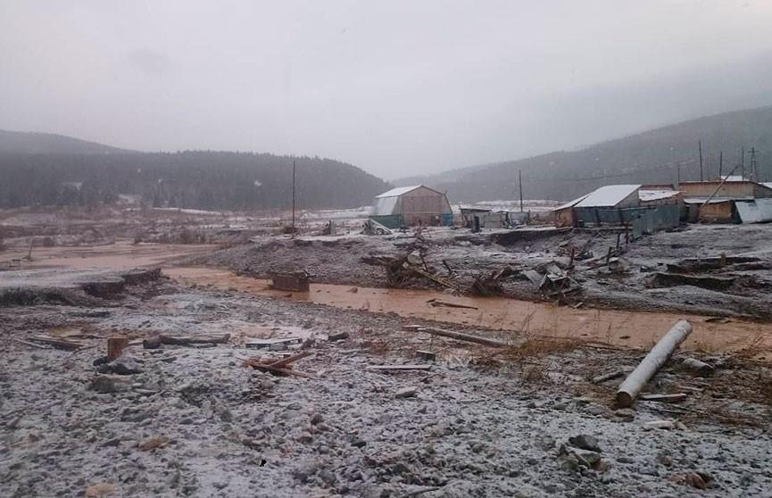 13 человек погибли из-за прорыва дамбы в Красноярском крае