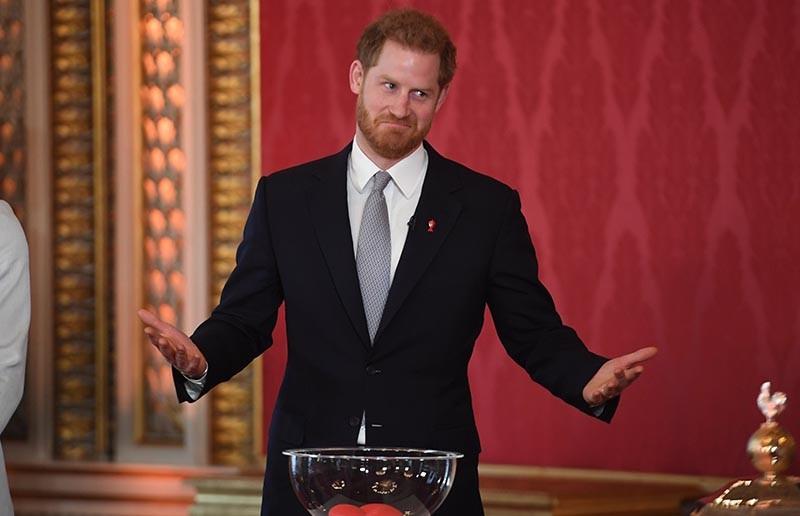 Принц Гарри покинул Великобританию для воссоединения с супругой