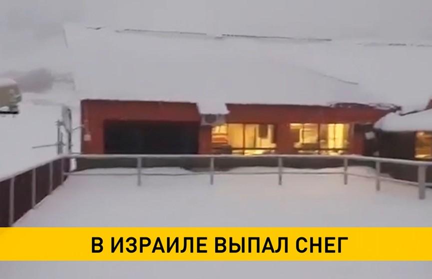 Гора Хермон закрыта для туристов из-за снегопада