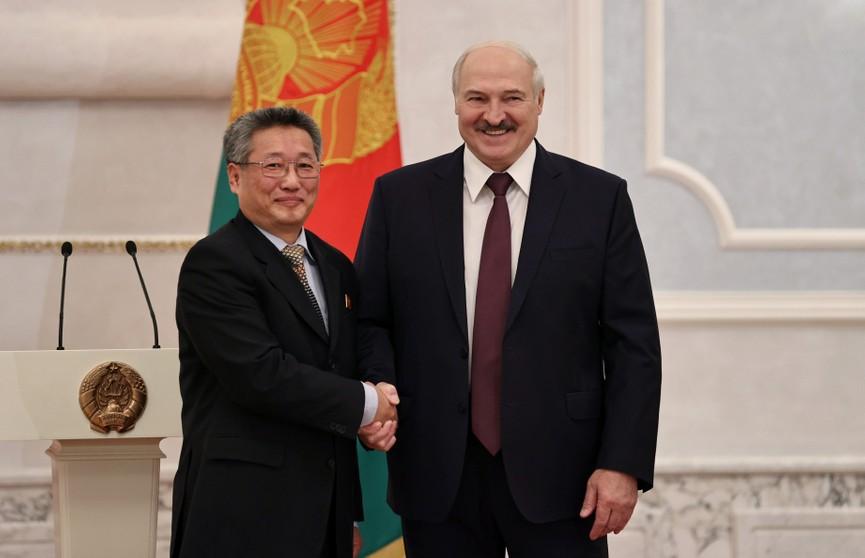 Лукашенко принял верительные грамоты апостольского нунция и послов шести государств