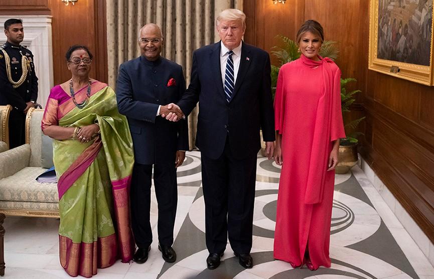 Мелания Трамп в розовых балетках появилась на официальном приёме в Индии и удивила публику