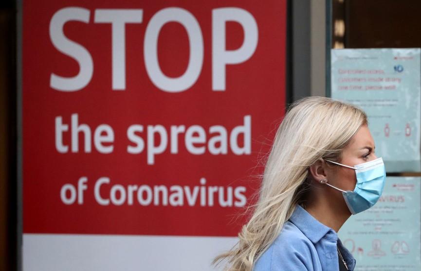 Власти Великобритании планируют вакцинировать всех взрослых жителей страны к концу июля