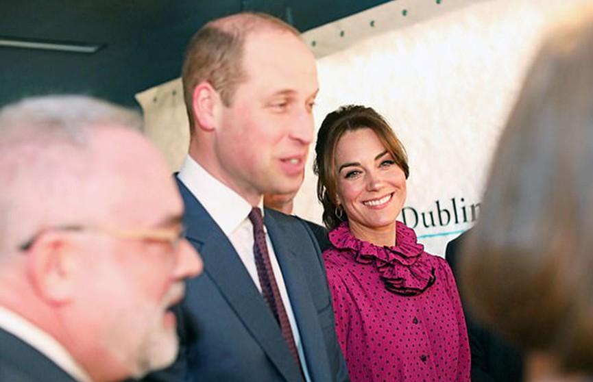 Кейт Миддлтон в винтажном платье в горошек ошеломила публику на вечернем приёме в Дублине