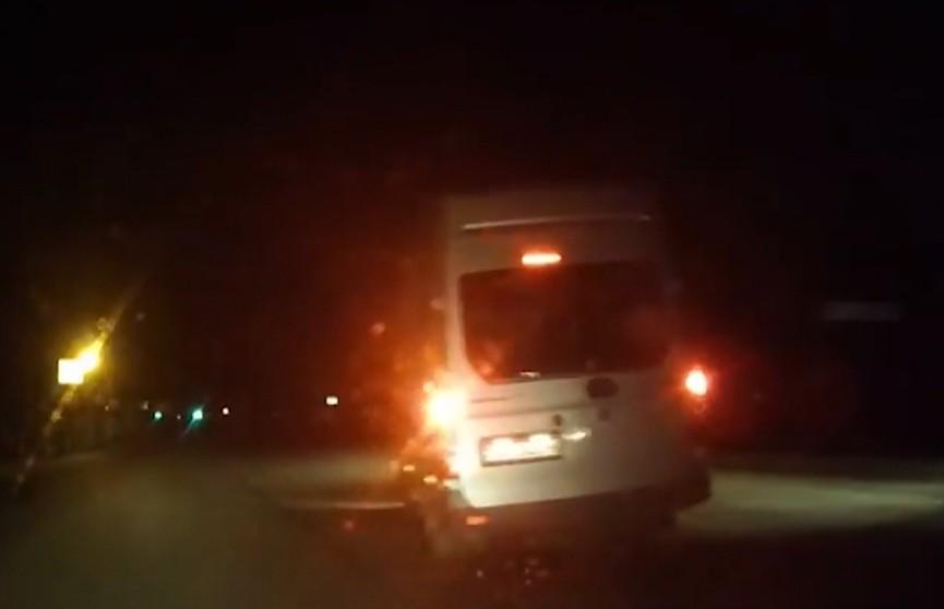 В Бобруйске ночью догоняли катафалк
