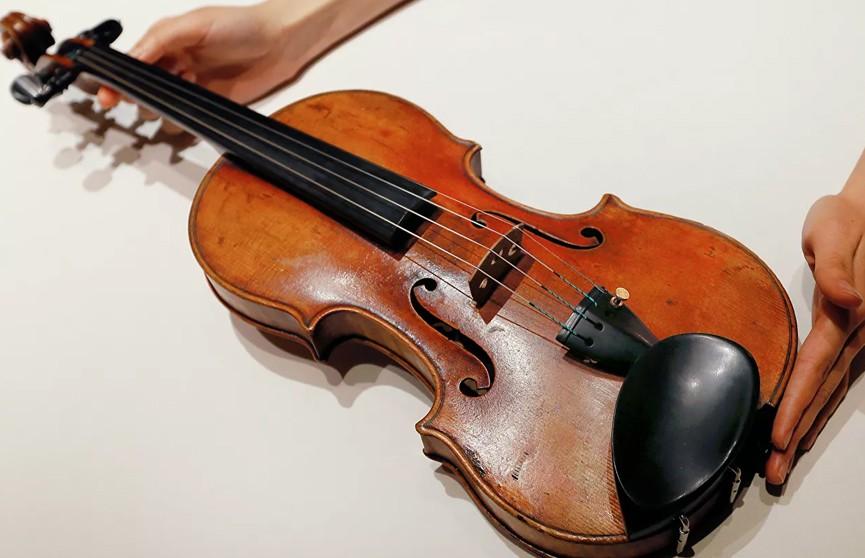Мужчина пытался вывезти из Украины 333-летнюю скрипку Страдивари