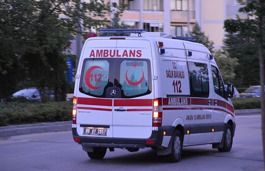 Туристический автобус попал в аварию в турецкой Анталье: 11 пострадавших