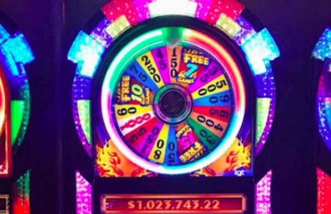 Мужчина зашел в казино в командировке и сорвал джекпот