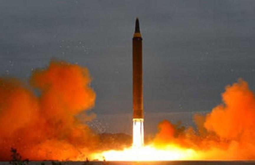 КНДР запустила неопознанные снаряды в сторону Японского моря