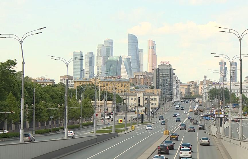 COVID-19 в России: в стране приступили к реализации первого этапа снятия ограничений