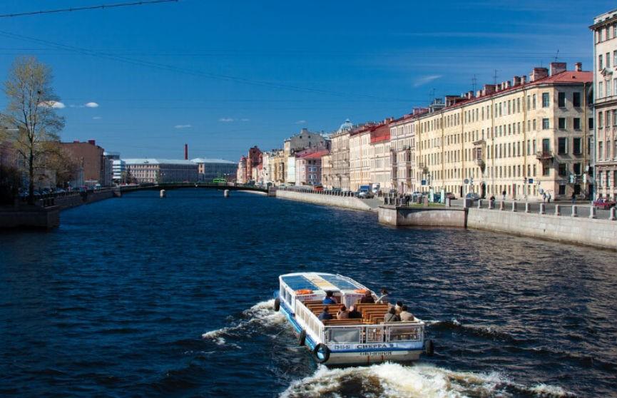 На набережной в Санкт-Петербурге стреляли из автомата