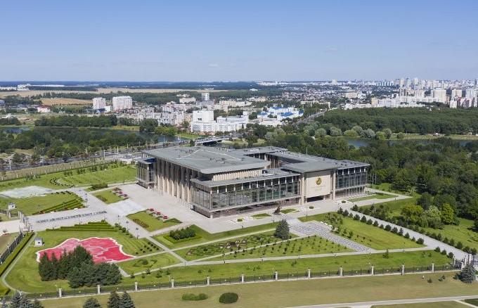 Лукашенко провел встречу с премьерами стран СНГ и отправился в Сочи на переговоры с Путиным
