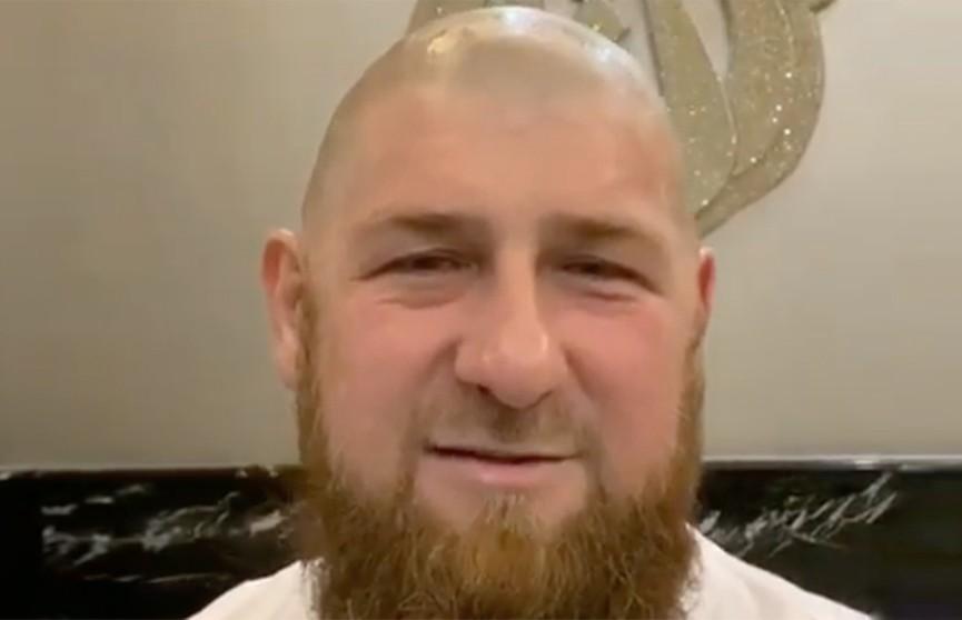 «Как делали наши предки»: Рамзан Кадыров побрился налысо и запустил флешмоб  (ВИДЕО)