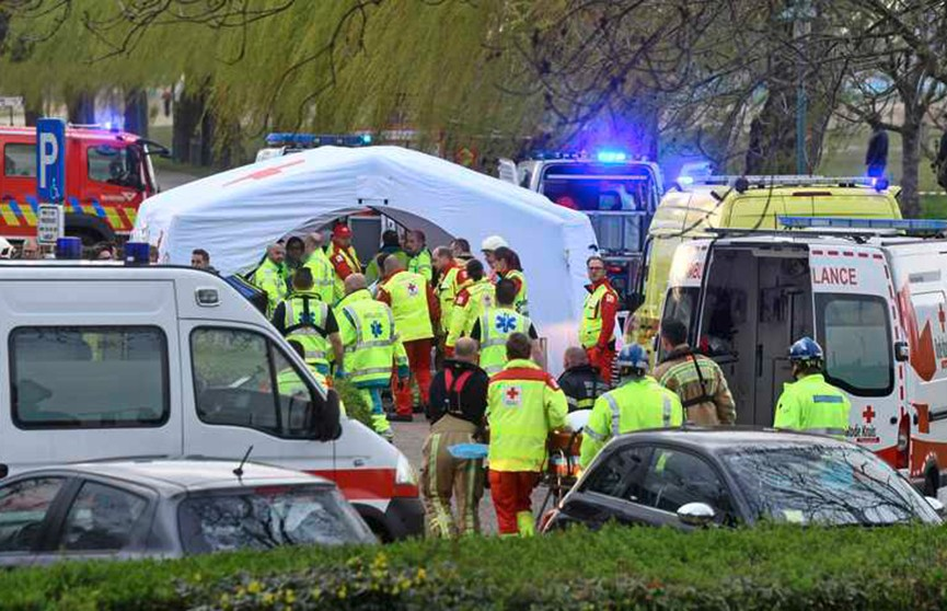 Два прогулочных катера столкнулись в Бельгии, есть пострадавшие (Видео)