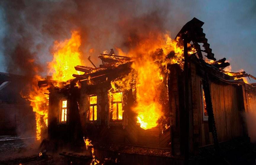 Хозяин дома и двое его гостей погибли в пожаре в Кличевском районе