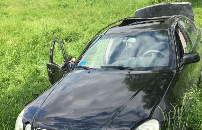ДТП под Слуцком: водитель Lexus сбежал, бросив раненую пассажирку
