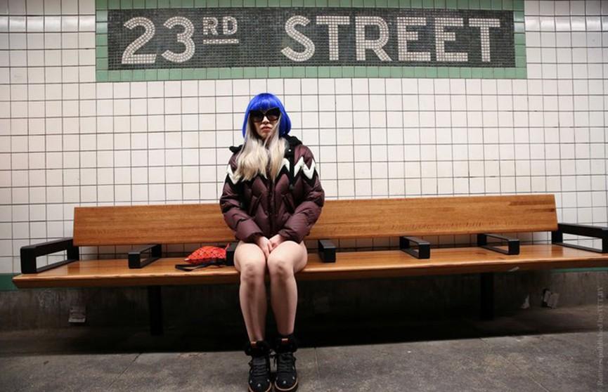 Флешмоб «В метро без штанов» прошёл в мировых столицах (Видео)