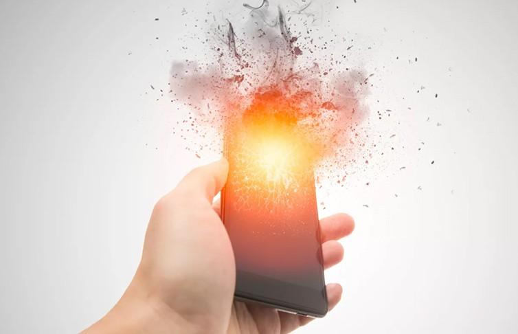 Эксперт рассказал, какой смартфон может взорваться в руках